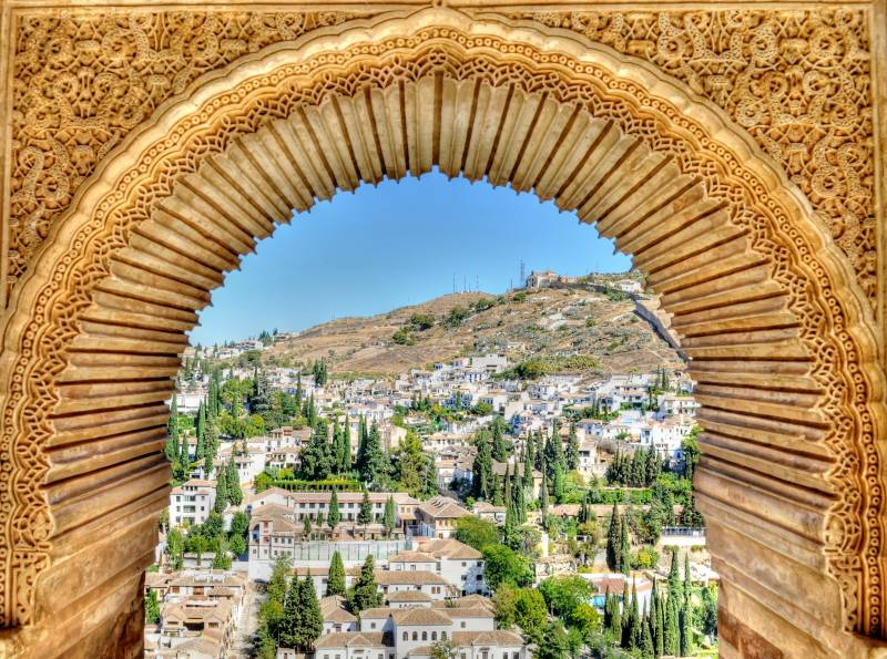 The medieval Granada at the foot of the Alhambra - THE ALBAICÍN